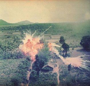 Napalm Vietnam 1965